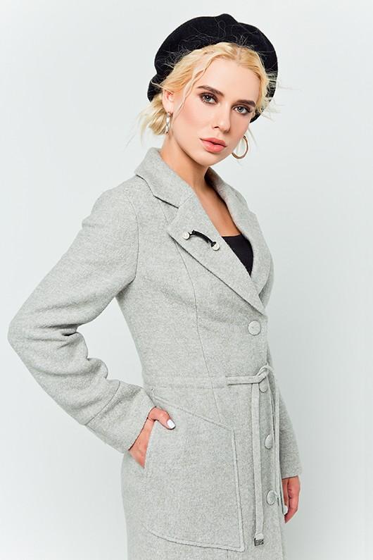 """Пальто с брошью """"Шерон"""" светло-серое"""