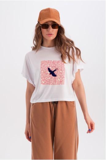 Широкая белая футболка «Анни» ласточка