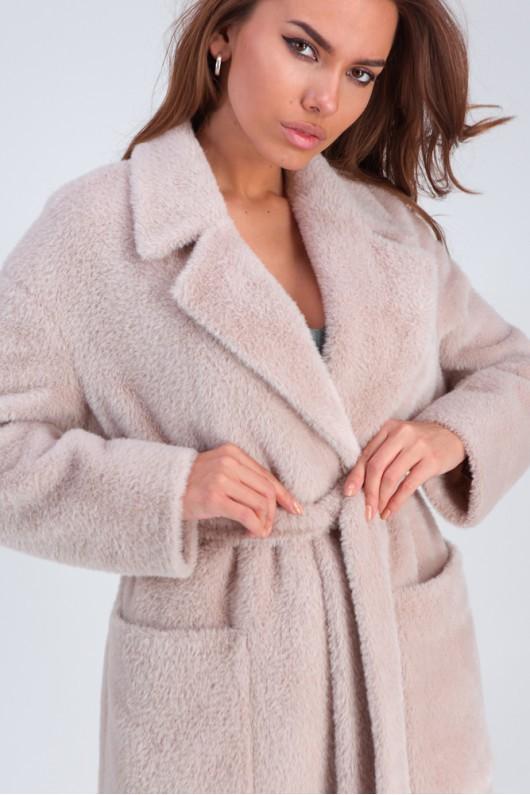 Стильное меховое пальто «Ума» бежевое