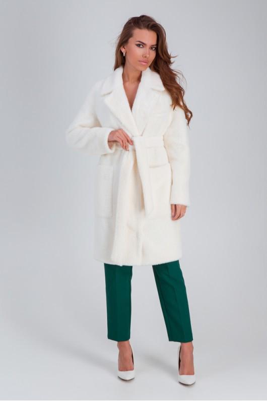 Стильное меховое пальто «Ума» белое