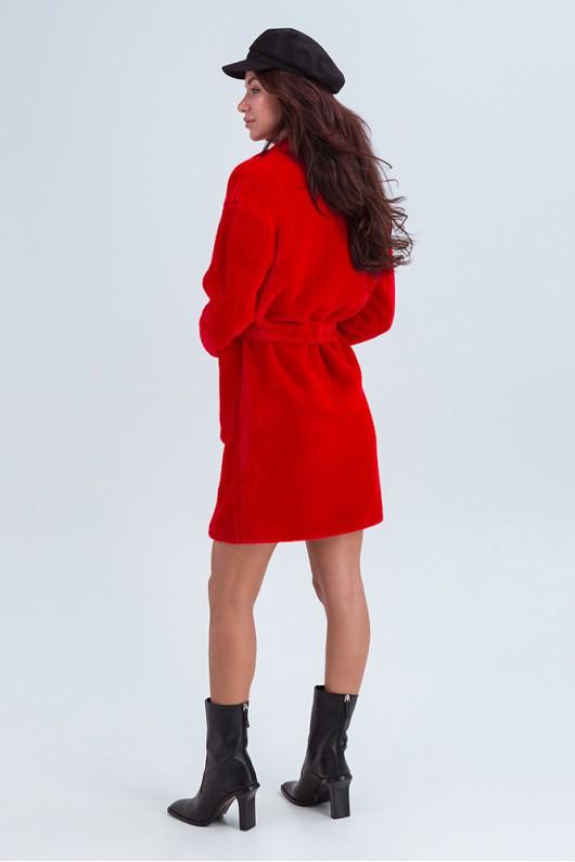 Стильное меховое пальто «Ума» красное
