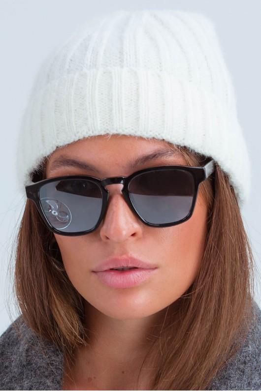 Осенняя женская шапка «Атланта» белая